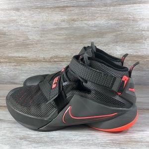 Nike Lebron Soldier IX Sneakers Size 5Y